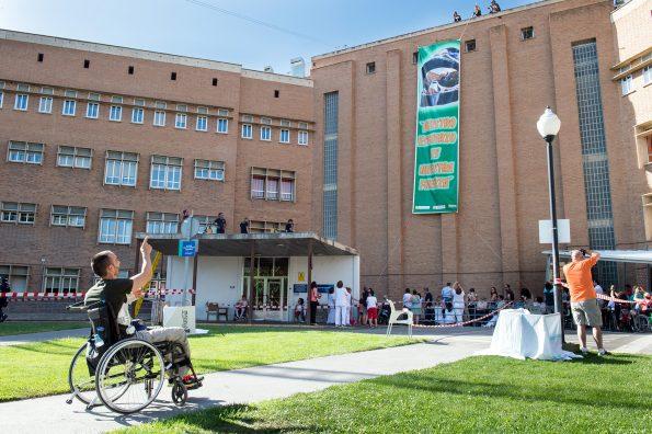 Exhibicion Bomberos del Ayuntamiento de Madrid en el Hospital Nacional de Parapléjicos. (Foto: Carlos Monroy)