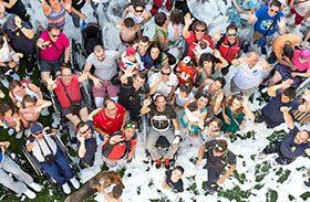 Bomberos del Ayuntamiento de Madrid organizan una fiesta con exhibición para pacientes y familiares