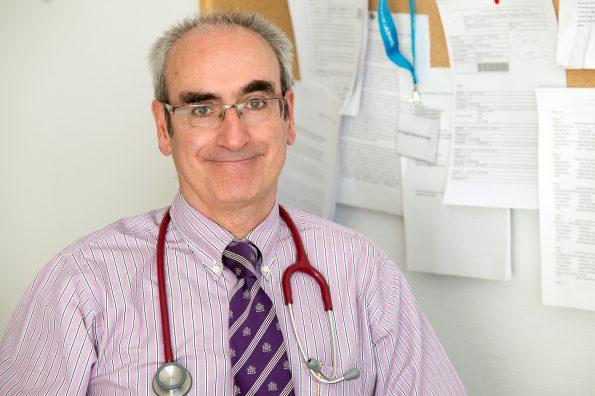 Ángel Luis García Forcada. Médico del Hospital Nacional de Parapléjicos. (Foto: Carlos Monroy//SESCAM)