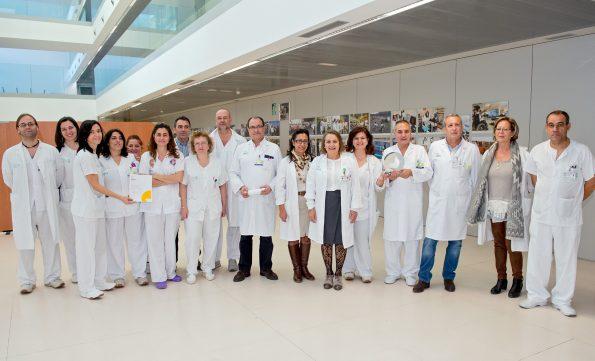 Grupo de enfermeras y enfermeros del HNP