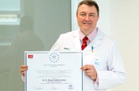 Manuel Esteban recoge la Medalla de Oro Europea al Mérito en el Trabajo