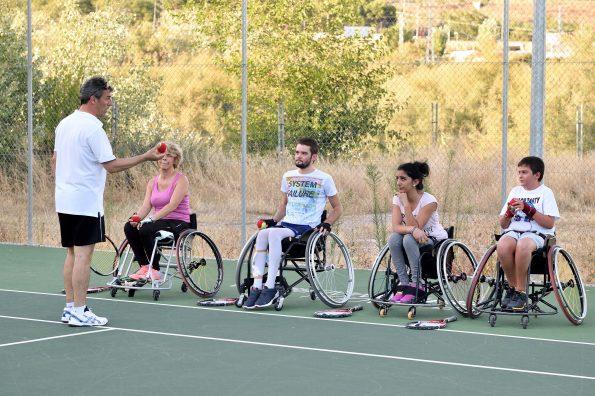 Tenis en el Hospital Nacional de Parapléjicos
