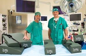 Demostrada la eficacia de la idea de dos celadores de Parapléjicos que mejora la posición del lesionado medular en la mesa quirúrgica