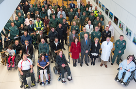 La Guardia Civil dedica al Hospital de Parapléjicos su calendario solidario de 2019
