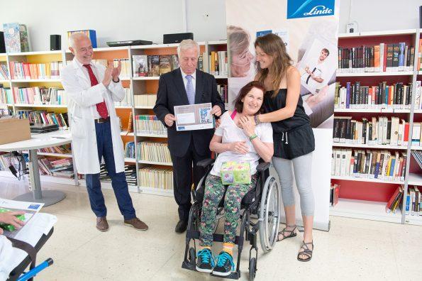 """Primer premio. Entrega de premios del concurso literario """"Todo es posible"""" en el Hospital Nacional de Parapléjicos"""