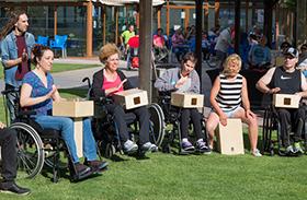 Pacientes, expacientes y amigos de Parapléjicos muestran su arte como motor de crecimiento personal