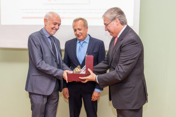 Premio Fundación CEA 2019 - Presidente Fundación CEA, Director Médico y Director de Enfermería del Hospital Nacional de Parapléjicos