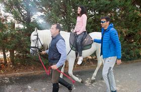El Hospital de Parapléjicos retoma su programa de equinoterapia para pacientes con lesión medular