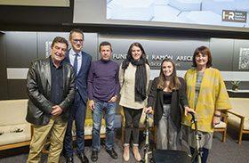 Profesionales de Hospital recogen el premio 'Resiliencia y Sociedad'