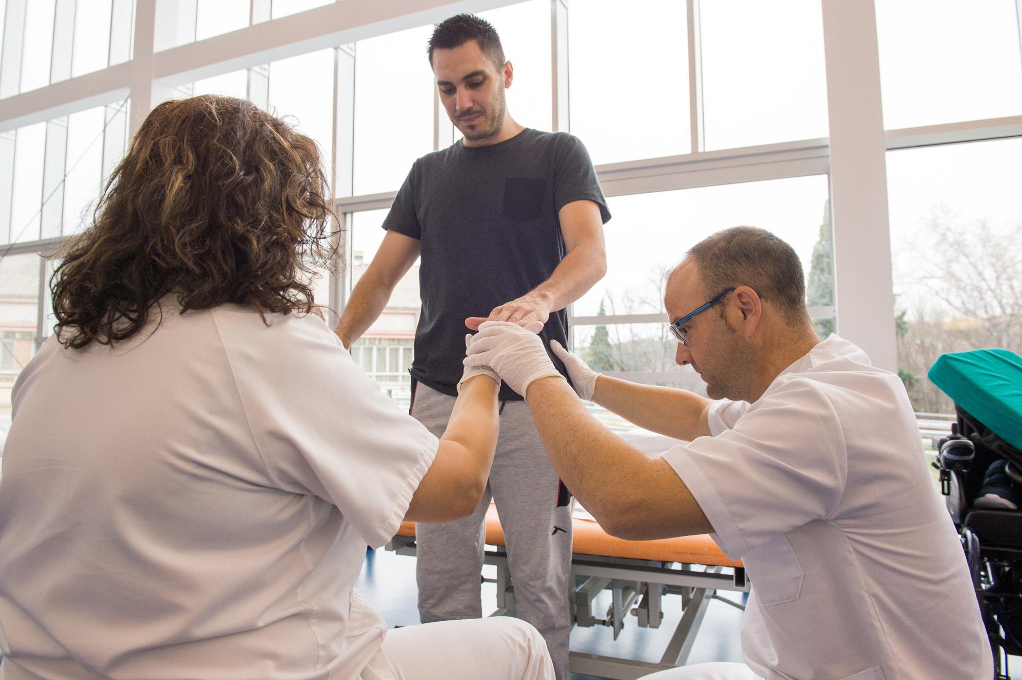Paciente con lesión incompleta en el Hospital Nacional de Parapléjicos (Foto: Carlos Monroy // SESCAM)